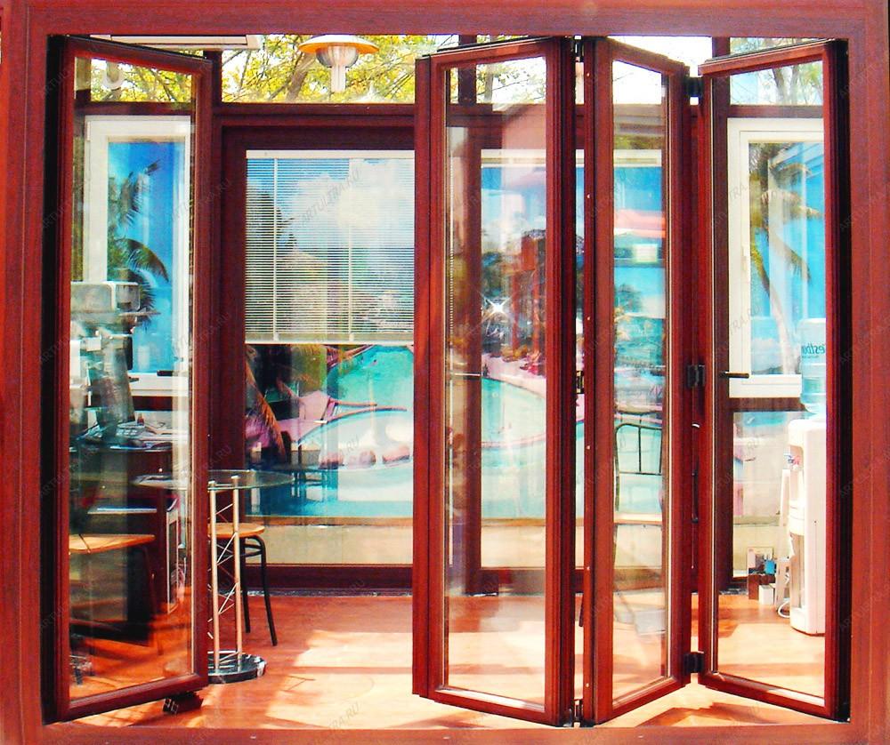 Складная дверь на теплый балкон