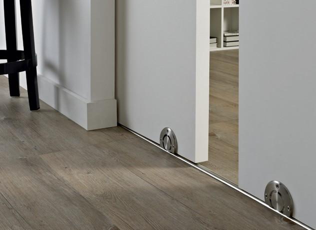 Раздвижные двери с нижним рельсом